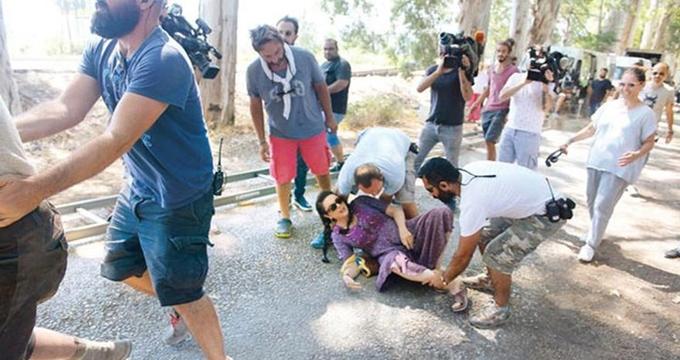 Photo of Usta oyuncu film setinde kaza geçirdi