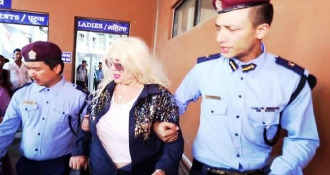 Photo of Banu Alkan'ı polisler neden karga tulumba götürdü?
