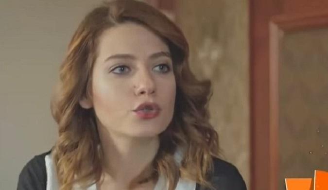 Photo of Ünlü oyuncu Sera Tokdemir'i şarkıcılık heyecanı bastı