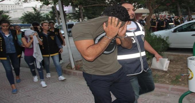 Photo of İzdivaç programının tartışmalı ismi Fuhuş çetesi operasyonunda gözaltına alındı