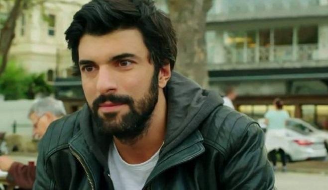 """Photo of """"Çocuklara Dokunma"""" filminde Engin Akyürek'in partneri kim oldu?"""