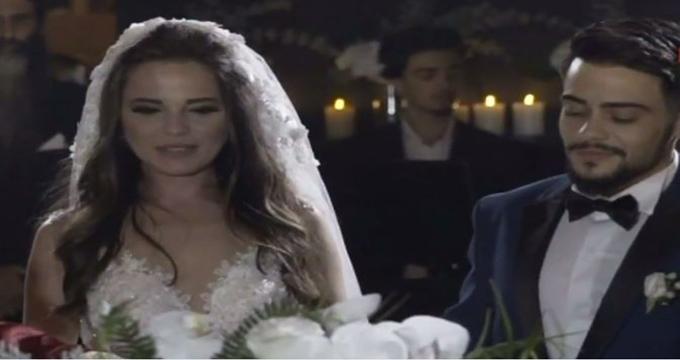 Photo of Rüzgar Erkoçlar hayalinin kadınıyla evlendi