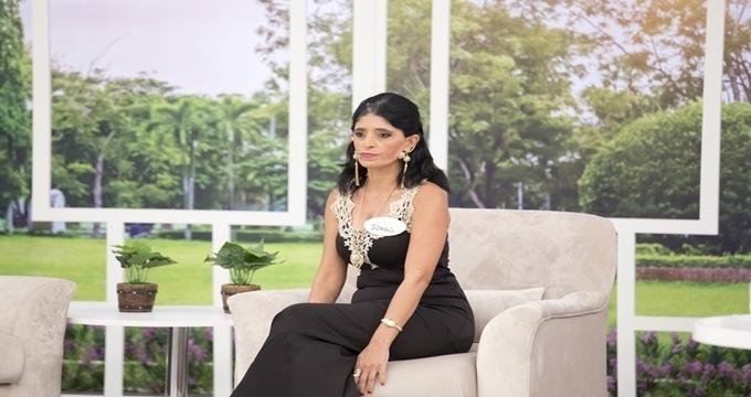 Photo of Esra Erol gelin adayının eşini canlı yayında ifşa etti