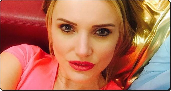 Photo of Bakıcısından dayak yiyen ünlü oyuncu eşine boşanma davası açtı
