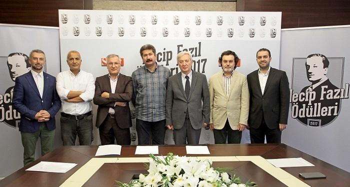Photo of Necip Fazıl Ödülleri sahiplerini buldu