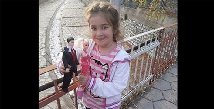 Photo of Bulgaristan'da yaşayan minik Damla ağzı bantlı halde ölü bulundu
