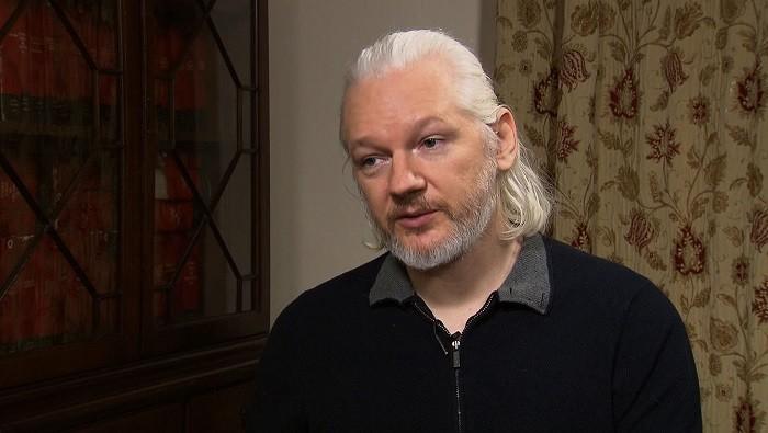"""Photo of Julian Assange'dan Başkan Trump'ın duyurduğu """"Yalan Haber Ödülleri""""ne NBC TV itirazı"""
