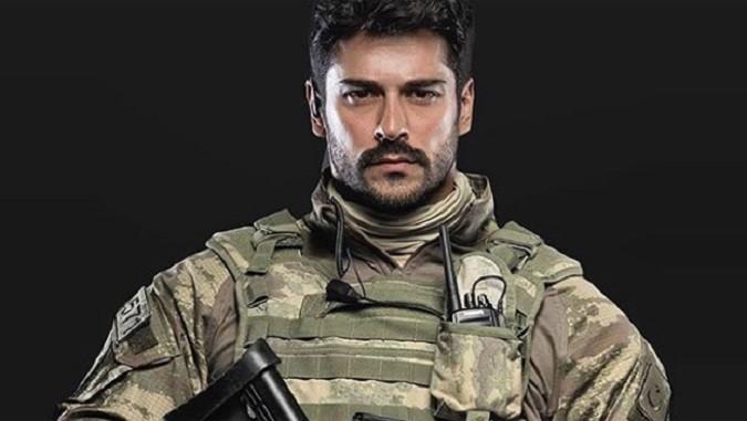 Photo of Ünlü oyuncu Burak Özçivit'ten operasyondaki Türk Silahlı Kuvvetleri'ne anlamlı destek