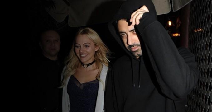 Photo of Meryem Uzerli ünlü yönetmenle yakalandı