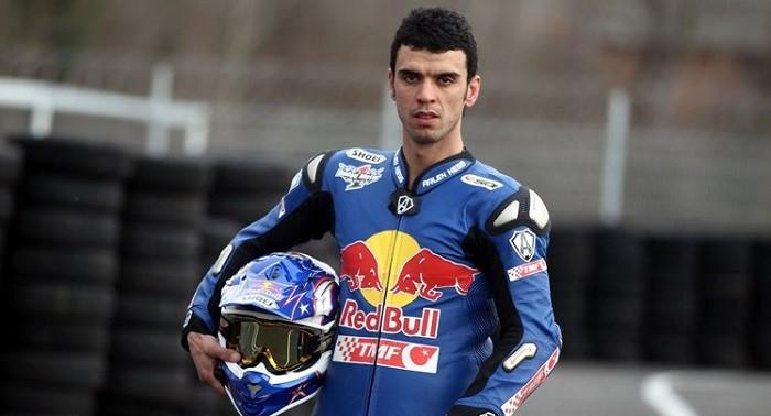 Photo of Kenan Sofuoğlu Avustralya'daki yarış öncesindeki idmanda 257 km hız yaptığı sırada kaza yaptı