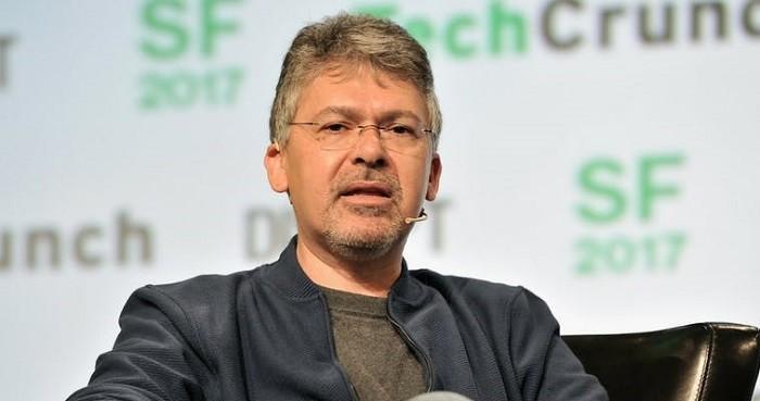 Photo of Apple, Siri'yi Google'ın yapay zeka uzmanı Giannandrea ile tanıştıracak!