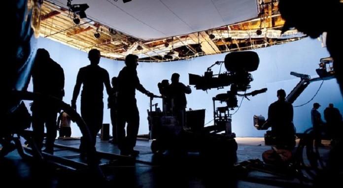 Photo of Netflix, İKSV ve Sinema Televizyon Sendikası'ndan sektör çalışanlarına destek