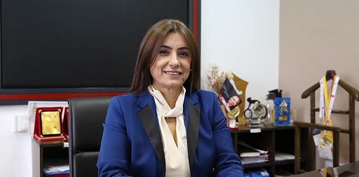 Photo of KKTC'de BRT kanalının müdürü Meryem Özkurt görevinden istifa etti