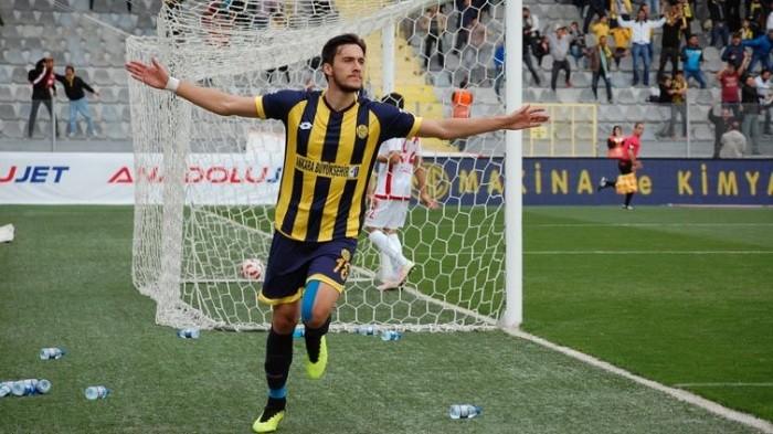 Photo of Beşiktaş'ın 4 yıllık anlaşma yaptığı Umut Nayir kim?