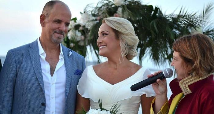 Photo of Ünlü sunucu Burçin Atılgan evlendi