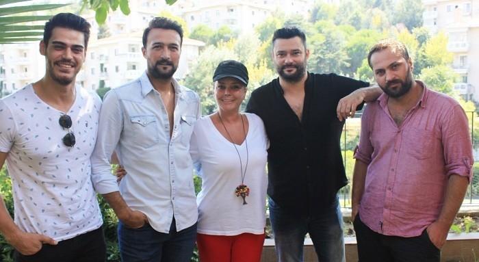 Photo of Özlem Savaş ve Cem Kılıç, Elif dizisinin oyuncu kadrosunda