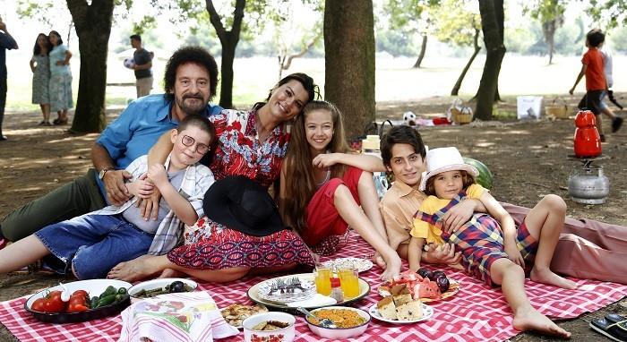 Photo of Show TV'nin yeni dizisi Keşke Hiç Büyümeseydik'in nostalji kokan ilk fragmanı yayında
