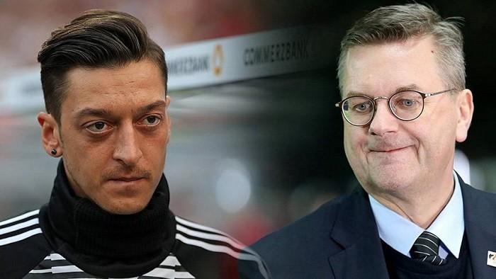 Photo of Almanya Futbol Federasyonu Başkanı Reinhard Grindel, Mesut Özil konusunda çark etti