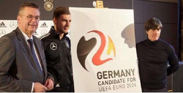 Photo of UEFA'dan Hitler'in ruhunu okşayan karar! Medyanın bilindik isimleri haksız karara nasıl tepki gösterdi?