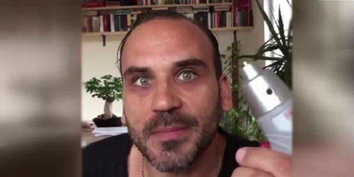 """Photo of Oyuncu Gürgen Öz' Arda Turan'ın """"kafama sık"""" sözünü nasıl ti'ye aldı?"""