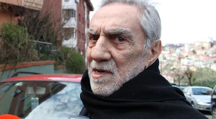 """Photo of Aydemir Akbaş'tan ilginç 'erotik film' açıklaması: """"Mecbur ettiler!"""""""