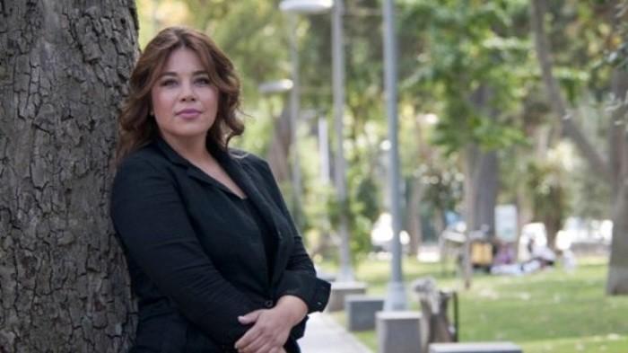 Photo of Ünlü oyuncu Yeşim Ceren Bozoğlu yeni projesi için el sıkıştı
