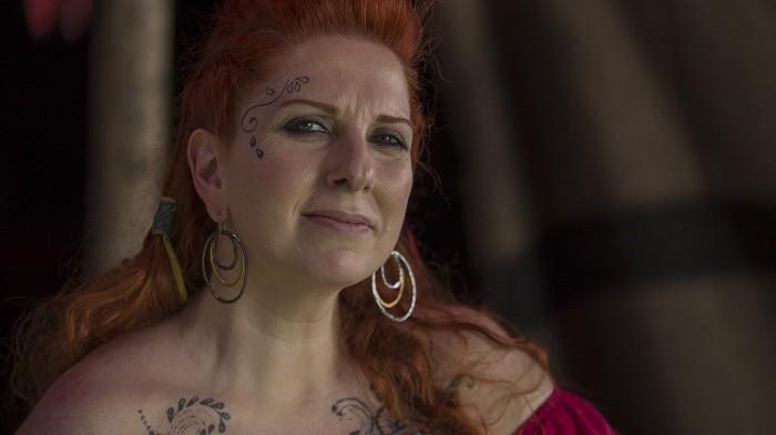 Photo of ABD'de yaşayan oyuncu Demet Tuncer Deliler Fatih'in Fermanı filminde