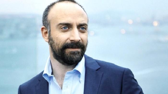 Photo of Halit Ergenç yeni projesinde 10 dakikada 1 milyon kazanacak