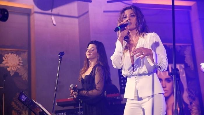 Photo of Gökçe Bahadır ilk profesyonel şarkıcılık sınavında sınıfı geçti mi?