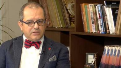 Photo of Başarılı Profesör CNN Türk canlı yayınında Koç Üniversitesi'nden kovulduğunu açıkladı